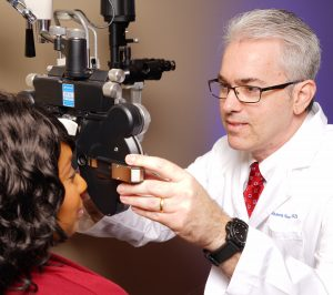 sussmane_phoropter_eye_exam_west_knoxville